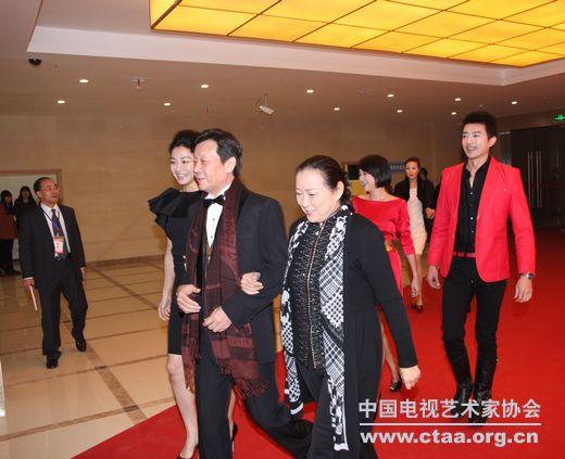 台湾著名演员寇世勋,方芳等出席海峡两岸电视艺术 ...